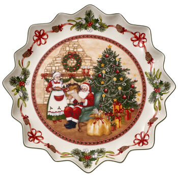 Toy's Fantasy Santa's home deep biscuit plate
