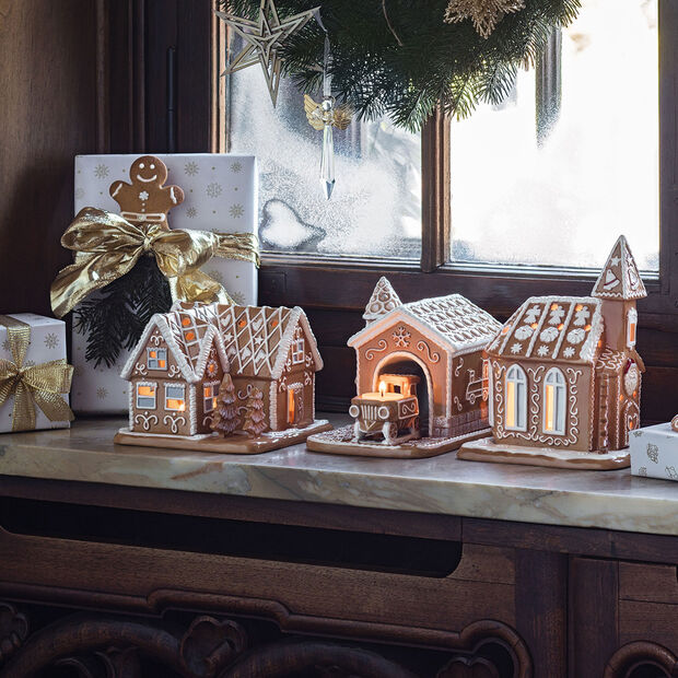 Winter Bakery Decoration gingerbread train station, brown/white, 20 x 13 x 16 cm, , large