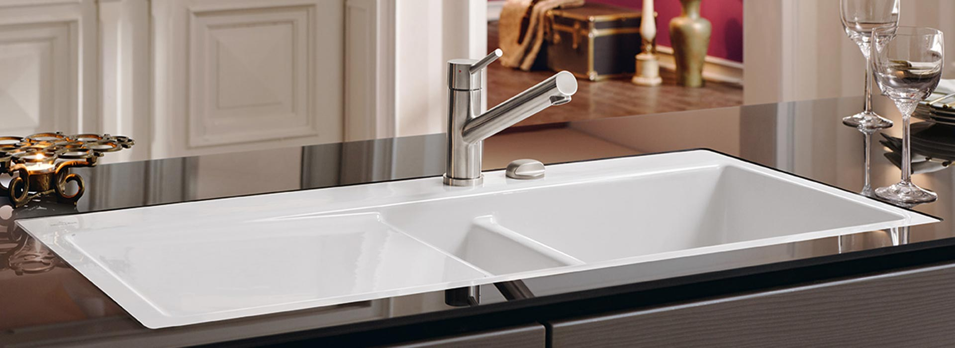 Top-class flush-mounted sink from Villeroy & Boch
